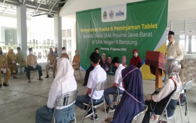 Penyerahan Kuota Internet Gratis & Peminjaman Tablet oleh Kepala Dinas Pendidikan Provinsi Jawa Barat